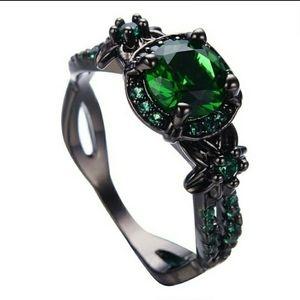 🍀 🇮🇪 Gorgeous Irish Pride Ring - 10K Black Gold